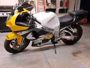 Gsxr 750 body kit fairing.