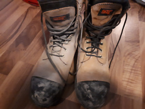Size 10 work boots USED ONCE