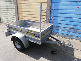 Noval 5x3 trailer with extras