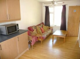 Double rooms to rent in a 4 bed house share