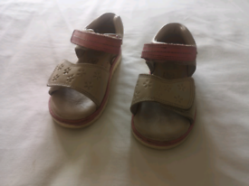 Clarks girls leather sandals