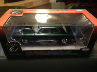 1/18 hwy61 1965 Plymouth belvedere green mint in box