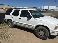 """Gmc Jimmy """"loud stereo"""" 4 grand work done in last year!"""