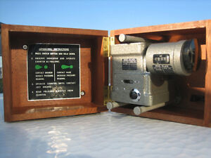 Aneroid Barometer, Negretti and Zambra Aviation limited,