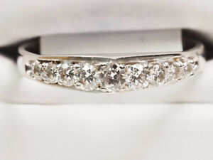 Brilliant white gold ladies 'Stairway to Heaven' diamond ring