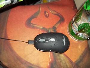 Mouse, can be battery power or corded