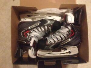 Bauer Vapor X100 Skates Size 4 1/2.  Never Worn Still in Box.