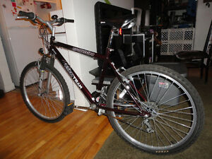 Great Adult Size Commuter Mountain Bike With Front Suspension!
