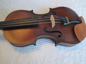 BEST QUALITY CHRISTINA VIOLIN  FULLY LOADED BRAND NEW $185 FIRM