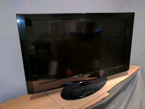 Samsung 42in TV, base and remote.