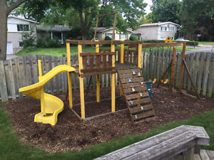 COSTCO OUTDOOR PLAY SET - USED