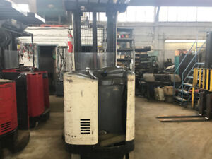 Crown RR 3520-35 Reach Truck good in condition! @ $7995+HST!