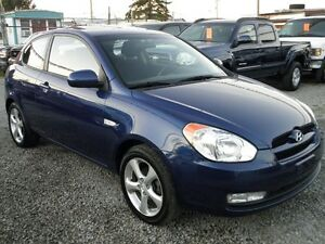 2011 Hyundai Accent Sport Hatchback Low kms!