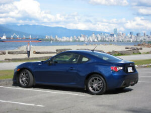 2013 Scion FR-S BLUE (GT86 / Subaru BRZ), Lowest KMs, No Trade