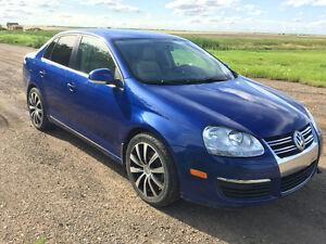 2009 Volkswagen Jetta Sedan - Fully Loaded