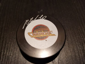 Rondelle signée Pavel Bure signed hockey puck NHL COA