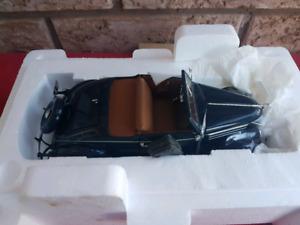 Danbury Mint 1:24 - 1936 FORD DELUXE CABRIOLET V8 Model BNIB
