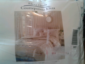 Brand New King Size Comforter & Shams