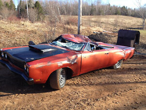 Looking to buy a 1969 Road Runner for Top Dollar