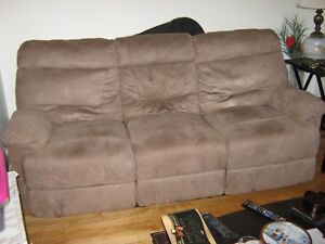 MICROFIBER 3 SEAT RECLINABLE COUCH IN MUSHROOM COLOR