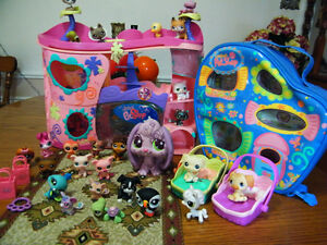 PET SHOPS TOYS 25 PET SHOP CASE AND TOYS INCLUDED London Ontario image 1
