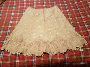 Peter Nygard skirt, size 16