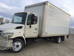 2007 hino185 18ft with ramp