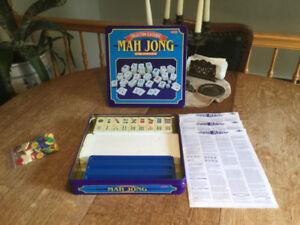 MAH JONG  jeu de société TRILINGUE 12 ans + 2 a 4 joueurs