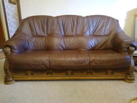Dark brown 3-1-1 leather suite.