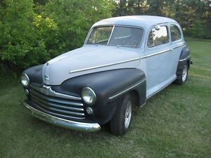 1948 Ford Tudor Deluxe