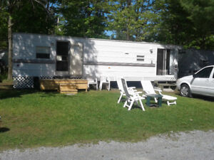 Roulotte Breck Stationnaire.37Pieds-$7,000 OBO