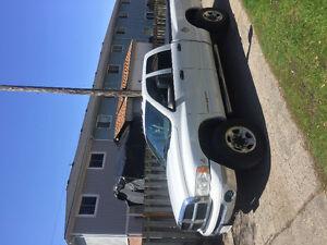 2005 Dodge Power Ram 3500 Pickup Truck