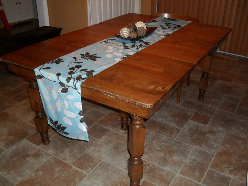 Antique Maple harvest dining table with leaves dining  : 20 from www.kijiji.ca size 800 x 600 jpeg 93kB