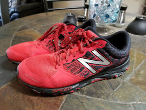 Men's New Balance 690v2 Speed Ride Sneaker Size 10.5