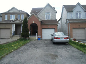 6 BEDROOM HOUSE FOR RENT AT MARKHAM AND STEELES