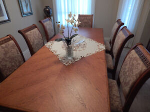 Dining Room Table - 8 Chairs & FREE Hutchin EXCELLENT CONDITION