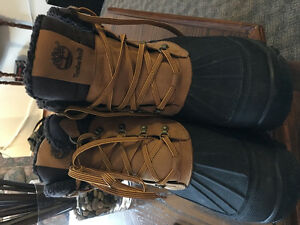 Nice boots (Timberlands) Almost New! Great Price! Dont let this