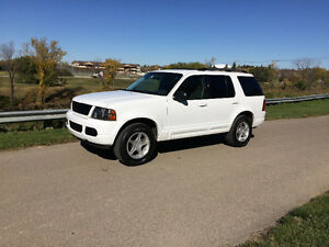 2003 Ford Explorer Near perfect condition