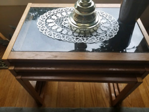 Side nesting tables