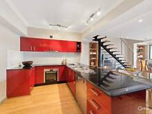 Luxury Short term accommodation at an unbeatable price Ultimo Inner Sydney Preview