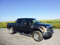 2008 F350 Diesel Crew Cab 4 Wheel drive low Kms !!