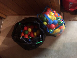 A lot of balls for a ball pit