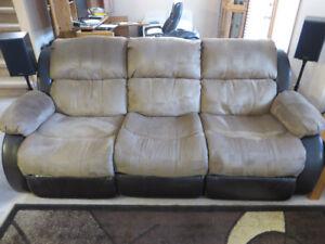 Ashley Furniture: Presley Espresso Reclining Sofa