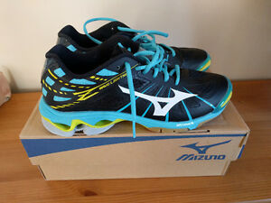 Womens Mizuno Wave Lightning Z Volleyball shoes
