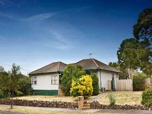 Awesome share house right outside DEAKIN UNIVERSITY Burwood Whitehorse Area Preview