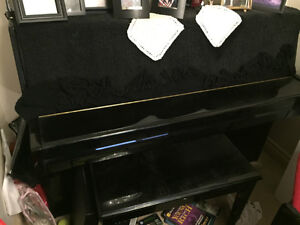 Black Samick piano JS-108  42 INS ( Price Reduce )