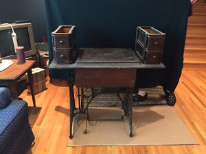 VINTAGE SINGER SEWING MACHINE West Island Greater Montréal image 3