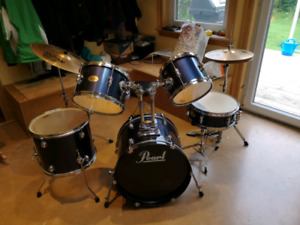 Pearl Jr Drum Set