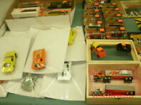 AFX & TYCO SLOT CARS AND SETS +++ACCESSORIES