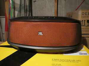 JBL On Beat Rumble Wireless Speaker Dock with Lightning Connecto
